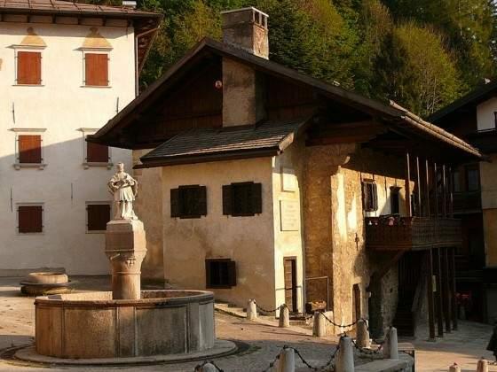 приблизить, Родительский дом Тициана в Пьеве ди Кадоре